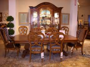 discontinued thomasville dining room furniture bed