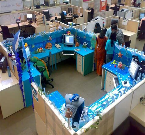 Cubicle Decorating Ideas by Decorated Cubicles For Summer Cubiclesdecor Decorated