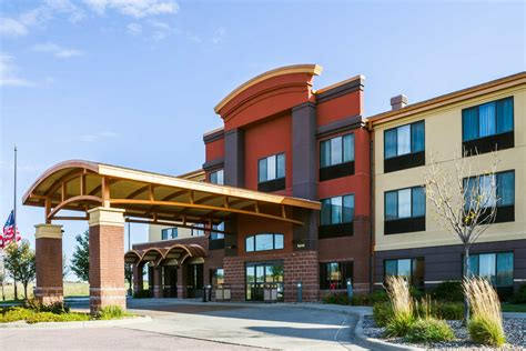 quality inn suites airport north sioux falls south