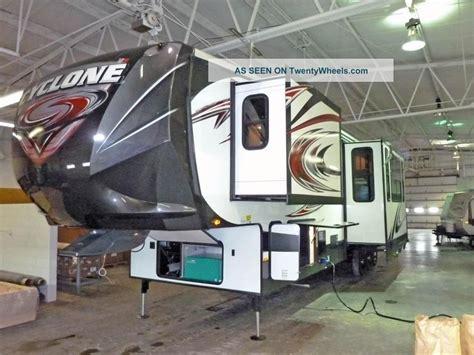 2013 heartland cyclone 5th wheel hauler w patio