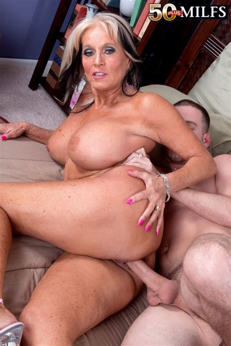 sally dangelo older women in stockings milfs pictures pictures luscious