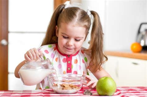manfaat membiasakan sarapan pagi untuk sang buah hati