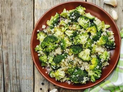 cuisine brocolis 1000 idées sur le thème plats d 39 accompagnement de brocoli