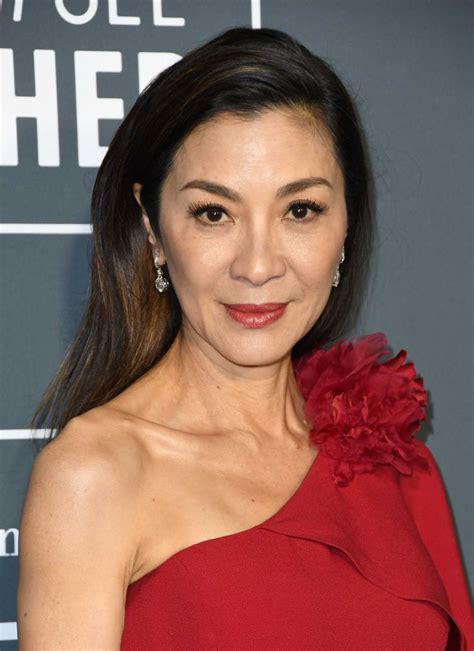 michelle yeoh attends   annual critics choice awards  barker hangar  santa monica