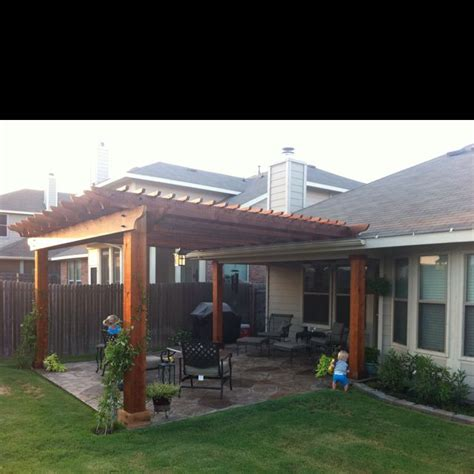 Patios Ideas Small Backyards by 17 Best Ideas About Backyard Covered Patios On