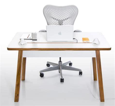 bureau pour pc portable studiodesk un bureau pour ordinateur portable blogeek