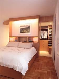 Ankleideraum Im Schlafzimmer : wohnideen schlafzimmer den platz hinterm bett verwerten ~ Lizthompson.info Haus und Dekorationen
