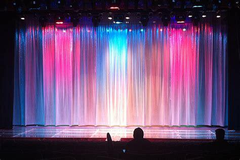 moskovsky music hall rideaux pour milieux polyvalentes