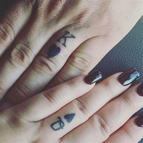 finger frau 81 tattoos that will warm your page 3