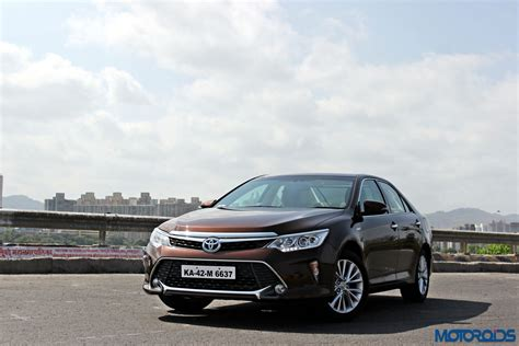 New 2015 Toyota Camry Hybrid Review Virtuous Opulence