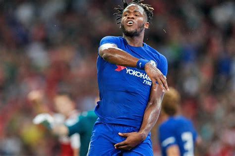 michy batshuayi antonio conte excited  chelsea striker