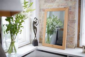 Spiegel Zum Hinstellen : mit diesem spiegel k nnen sie hinaus in die digitale welt ~ Michelbontemps.com Haus und Dekorationen