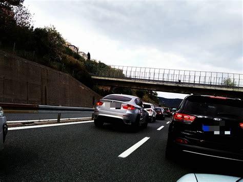 Autostrada Dei Fiori Web by Traffico Intenso Sulla A10 Code Tra Pietra E Spotorno