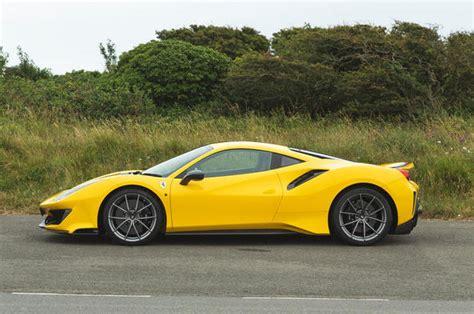 Trong giai đoạn đầu, ferrari hoạt động với tư cách là công ty sản xuất xe đua có quy mô nhỏ. Xe Ferrari: Bảng giá xe Ferrari cập nhật tháng 05/2020