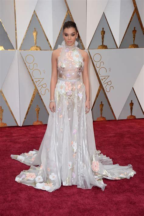 Hailee Steinfeld Oscars Red Carpet Hollywood