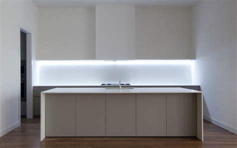 bandeau led cuisine cómo iluminar una cocina claves para acertar con la
