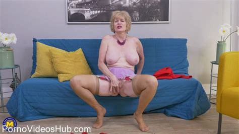 Mature Nl Presents Sindee Dix 57 In American Housewife