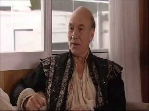 patrick stewart on extras public nudity