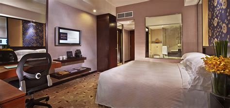 Rooms  Our Premier Room Singapore Hotel  Royal Plaza On