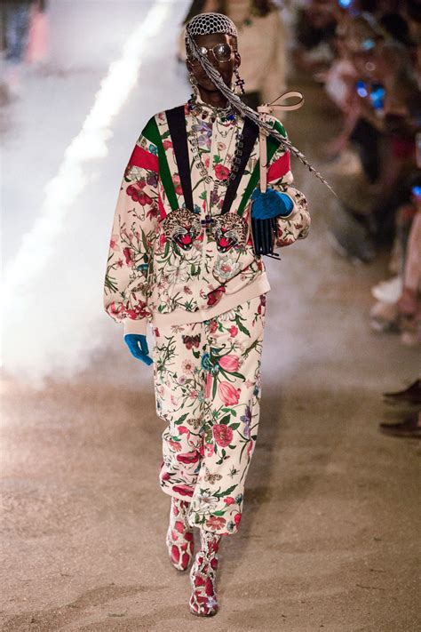 gucci resort    acid rock meets  st