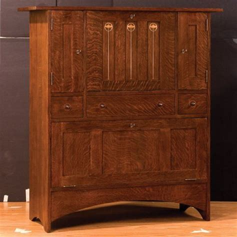 Stickley, Harvey Ellis Bar, £2000/?2500 via Ontaria Ltd