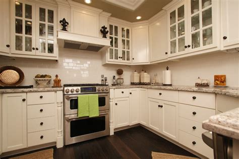 cape cod kitchen design cape cod style kitchen backsplash home decorating ideas 5116