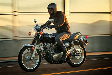 2017 Yamaha SR400 Review