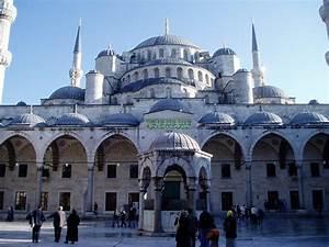 Mezquita Azul Vista Desde El Patio