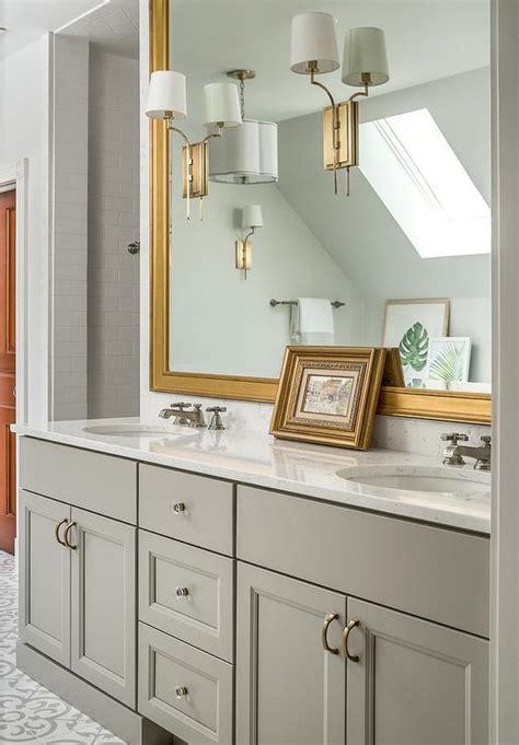 Bathroom Cabinets Pulls