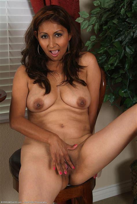 Very Cute Mature Latina Jesse Mature Porn Photo