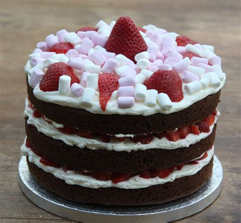 Permalink to Chocolate Cake With Strawberries