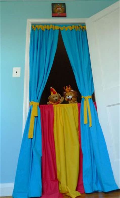 circus inspired puppet theater   takes