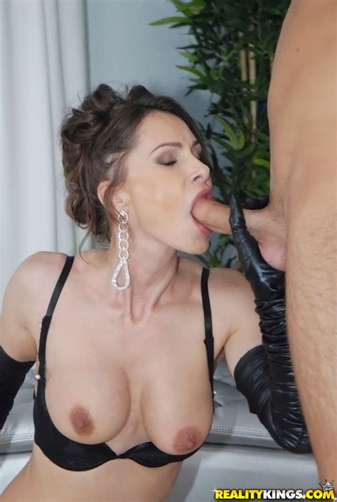 Classy Lady Is Wearing Gloves While Fucking MILF Fox