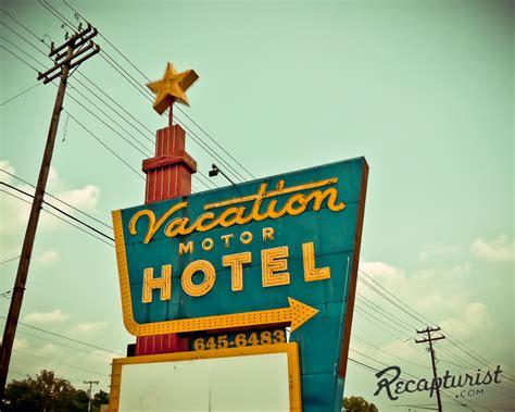 2868 wilma rudolph blvd, clarksville, tn 37040. Vacation Motor Hotel (Clarksville, TN) - Vintage Neon Signs