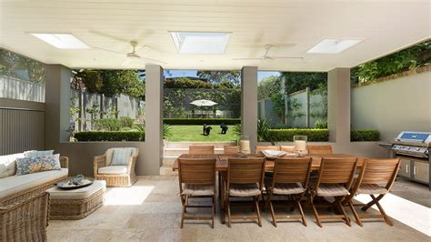 Outdoor Rooms : Indoor Comforts Create Outdoor Rooms For All Seasons