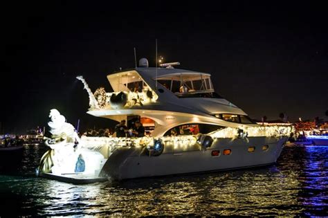 Newport Beach Annual Boat Parade by Holiday Boat Parades In Southern California