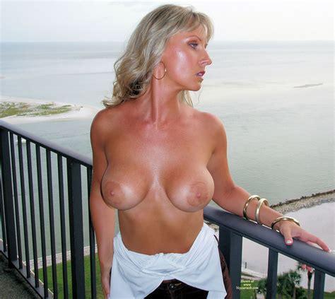 Nude Me On Heels Balcony View December Voyeur Web