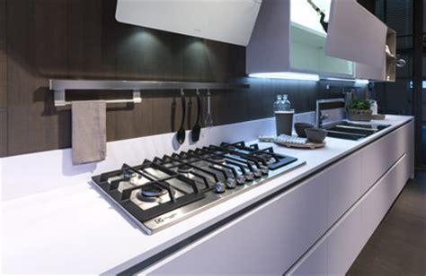 avis sur cuisine plus nos plans de travail cuisine plus