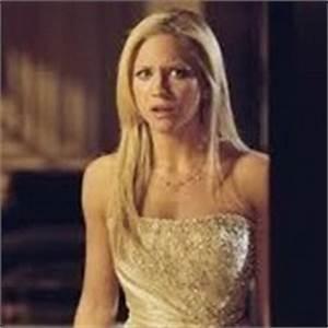Best character battle (1): Donna (Prom night) vs. Elena ...