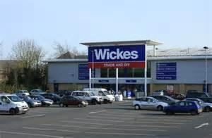 wickes diy store chippenham  maurice pullin