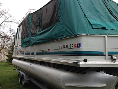30 Pontoon Boat by Sun Tracker 30ft Hut Pontoon Boat W Roof And
