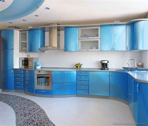 kitchen cabinets with lights 114 best images about yellow kitchens on 6476