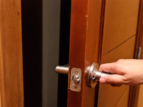 squeaky door sound door creaks creak door haunted house horror open
