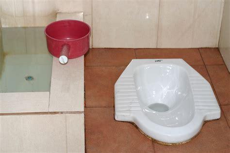 squat toilet using a thai squat toilet everything you wanted to