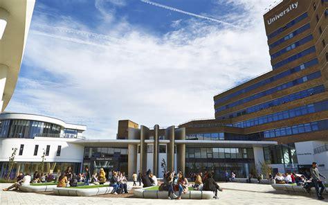 university  huddersfield customer success dl europe