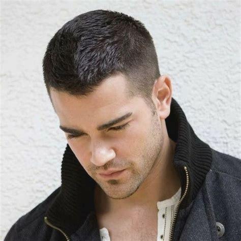 coiffure homme cheveux coupe de cheveux homme comment choisir selon la forme de votre visage archzine fr