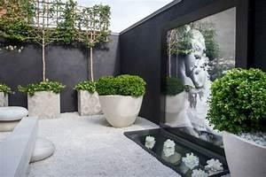 gravier blanc pour le jardin astuces et idees deco With chambre bébé design avec pot de fleur balcon pas cher
