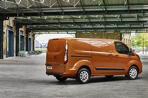 Ford Transit Custom 6 Places : new ford transit custom for 2018 info and pictures of facelift for uk s best selling van parkers ~ Dallasstarsshop.com Idées de Décoration