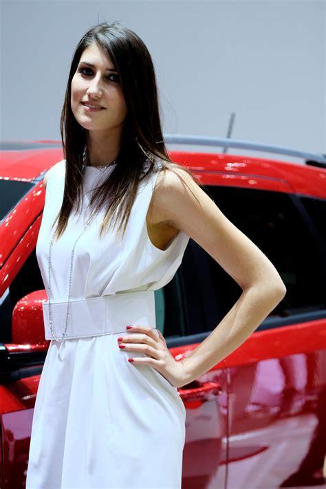 geneva motor show car show girls  technology tips