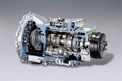 Daimler Offers The First Dual Clutch Transmission On A